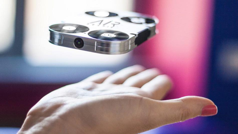 hARDWAREMANIACS - Havadan Selfi mi çekmek istiyorunuz? Selfi Drone'u deneyin.